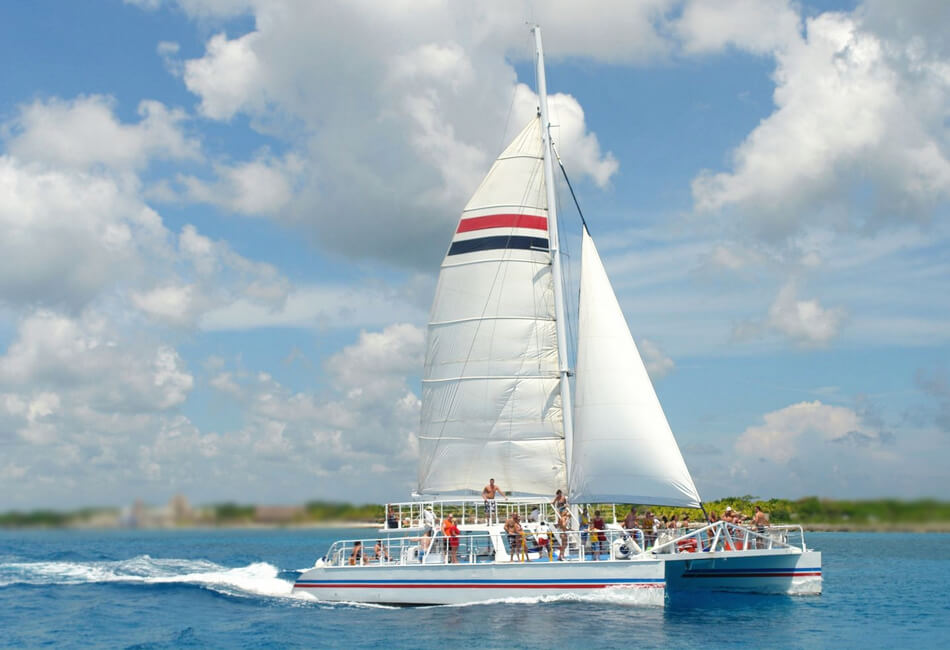 65 Ft Luxuries Custom-Made Sailing Catamarans